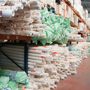 almacen tuberias uPVC 300x300 - Nuestras instalaciones