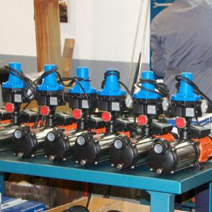 montaje bombas 300x300 - Nuestras instalaciones