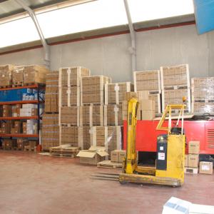 preparacion de pedidos 300x300 - Nuestras instalaciones